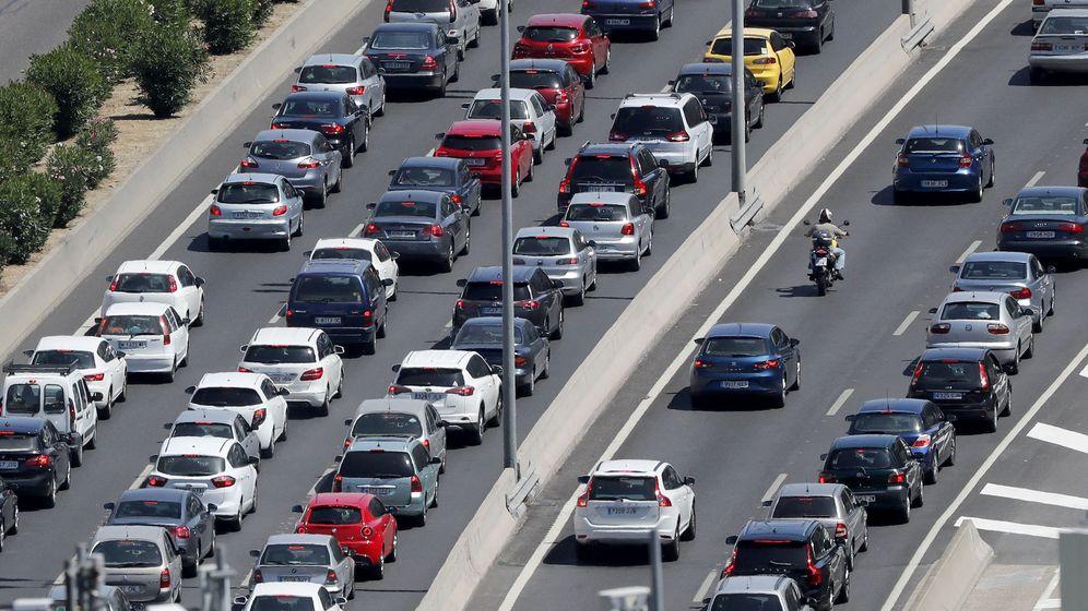 Foto: Vista del tráfico en la M-30 madrileña. (EFE)