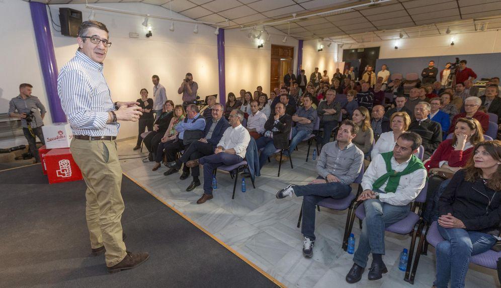 Foto: Patxi López, este 11 de marzo en la Casa de la Cultura del municipio murciano de Caravaca de la Cruz. (EFE)