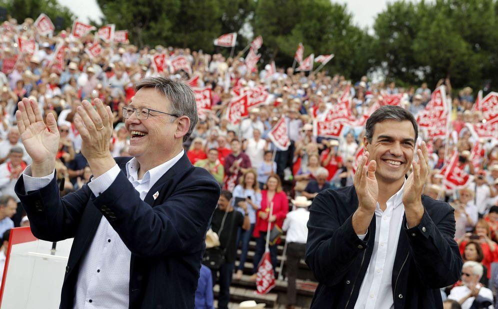 Foto: Pedro Sánchez y Ximo Puig participan en la Fiesta de la Rosa de este 7 de octubre en el parque de Cabecera de Valencia. (EFE)