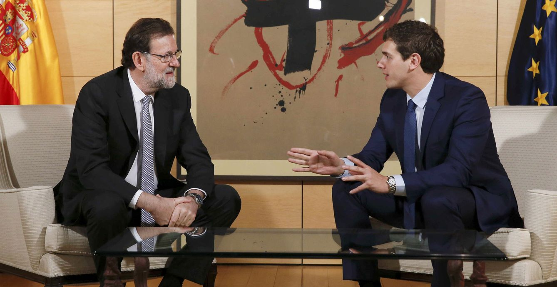 Mariano Rajoy y Albert Rivera se reúnen en el Congreso de los Diputados. (EFE)