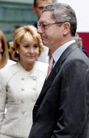 Gallardón llegó a pedir al PSOE que hiciese público un sondeo interno que perjudicaba a Esperanza Aguirre