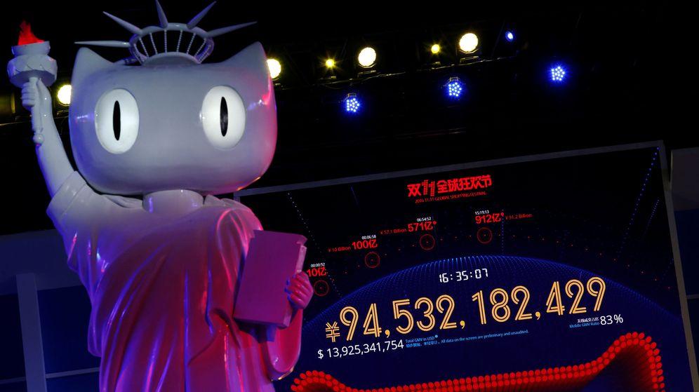 Foto: Una pantalla gigante muestra la frenética actividad que registra Alibaba durante el Singles Day (Reuters)