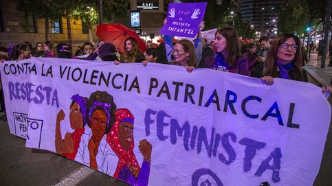 Irrumpe con una navaja en la manifestación contra la violencia de género en Granada