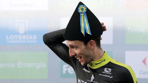 Simon Yates se aprovecha de los riscos de La Vuelta y la bicefalia de Movistar