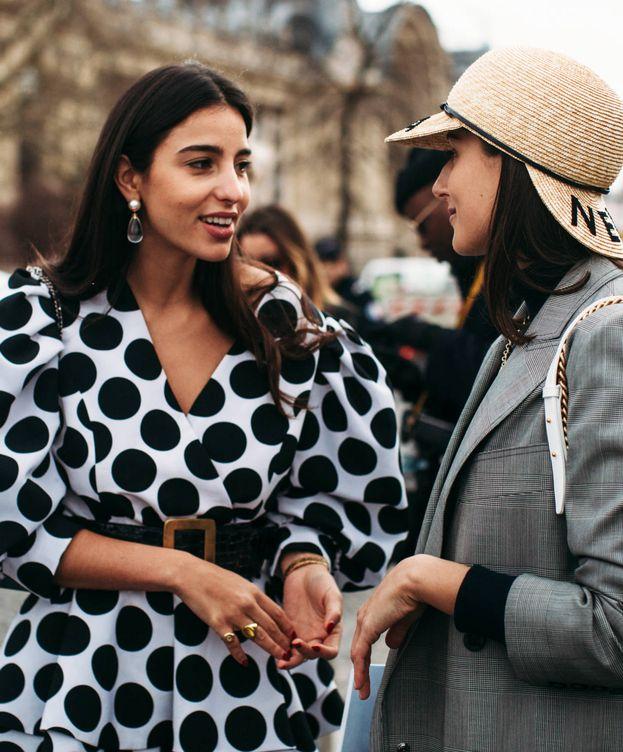 Foto: Peinados que sí puedes llevar con gorra, boina o sombrero. (Imaxtree)