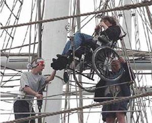 La larga y tortuosa travesía de un velero para discapacitados