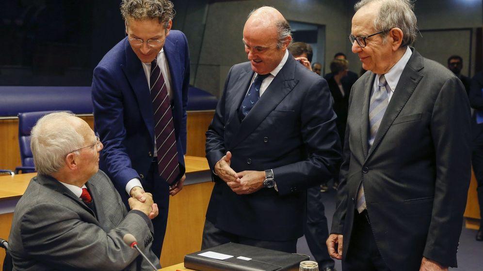 Foto: El ministro de Finanzas alemán, Wolfgang Schäuble, el presidente del Eurogrupo, Jeroen Dijsselbloem, el ministro español de Economía, Luis de Guindos, y el ministro de Economía italiano, Pier Carlo Padoan. (EFE)