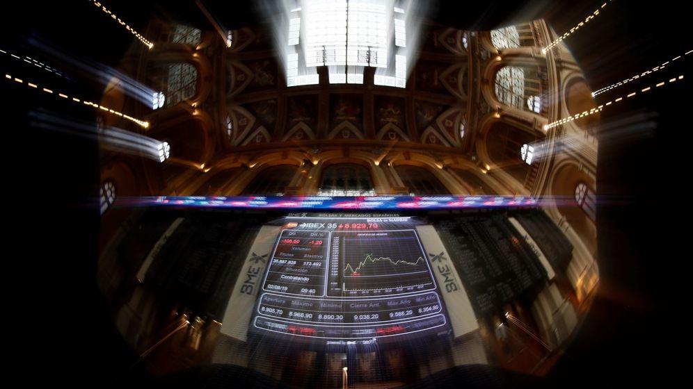 Foto: Imagen de las pantallas de la Bolsa de Madrid. (EFE)