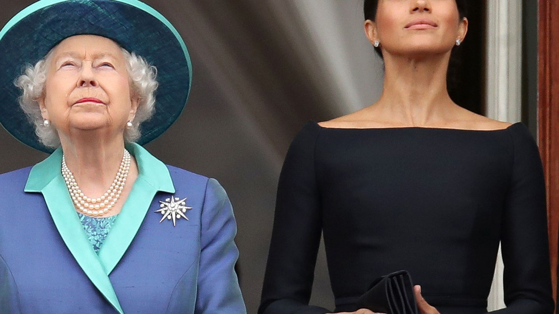 Meghan, con la reina Isabel en una imagen de archivo. (Reuters)