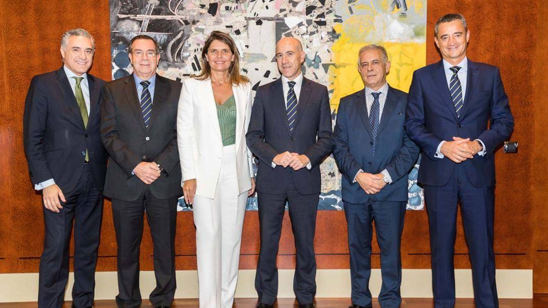 La presidenta del consejo de Avalmadrid, en la firma del convenio de colaboración con Bankia.