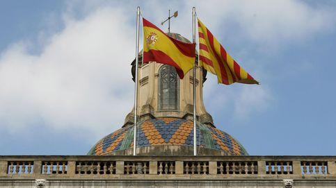 Desconcierto en el día uno de la república catalana: ¿Por qué sigue ahí la bandera?