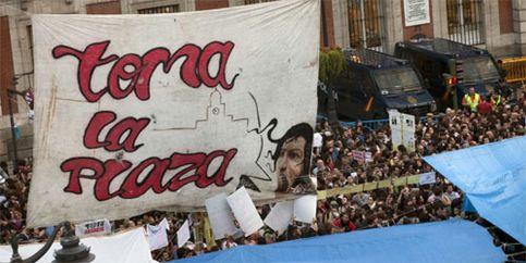 Los 'indignados' desafían a la autoridad y mantienen las protestas para el 22-M