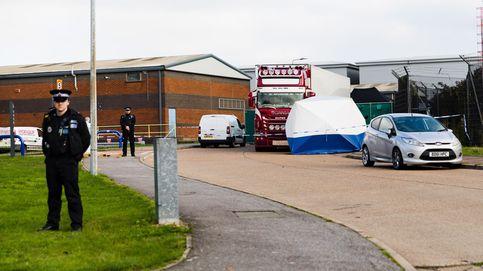 Rescatan a 18 personas de la bodega de un camión refrigerado en el sureste de Inglaterra