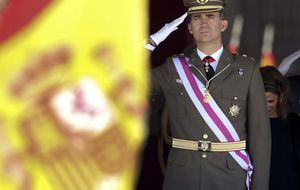 El Príncipe de Asturias prepara su primer discurso como Felipe VI en las Cortes