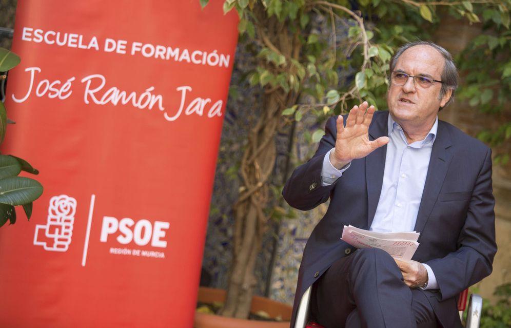 Foto: Ángel Gabilondo, portavoz socialista en la Asamblea de Madrid, el pasado 8 de abril en Murcia. (EFE)
