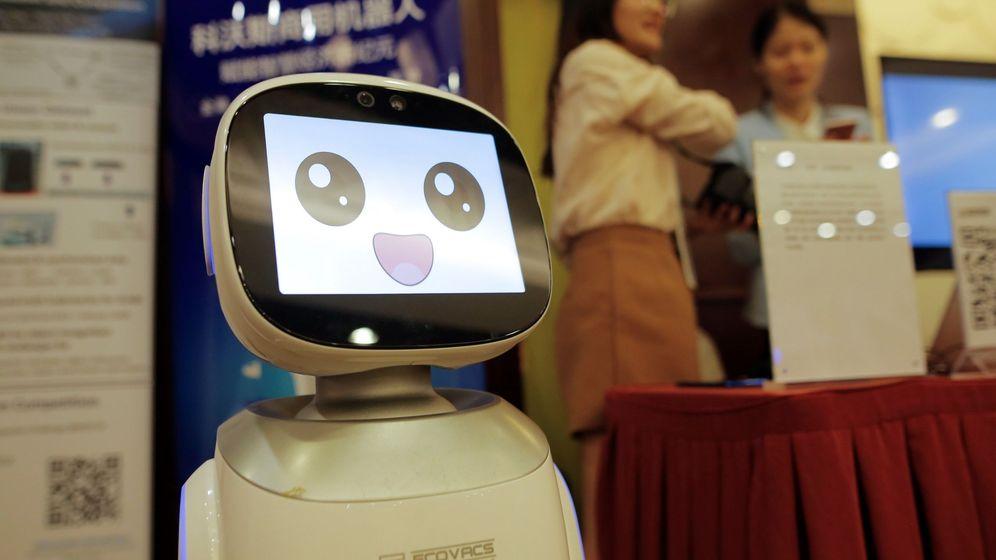 Foto: Programar software de Inteligencia Artificial puede ser la mejor salida para el empleo del futuro (EFE/Wu Hong)