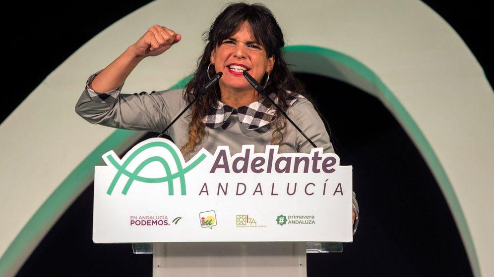 Foto: La candidata de Adelante Andalucía a la Presidencia de la Junta, Teresa Rodríguez, interviene en el acto de cierre de campaña. (EFE)