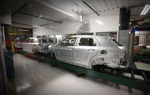 España supera los 2,4 millones de vehículos fabricados en 2014