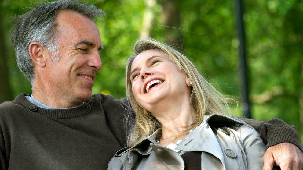 Prometieron casarse a los 50 en caso de estar solteros. Cumplieron 50 y...