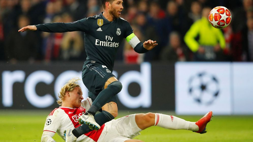 Foto: Sergio Ramos vio la amarilla en los minutos final del Ajax-Real Madrid. (Reuters)