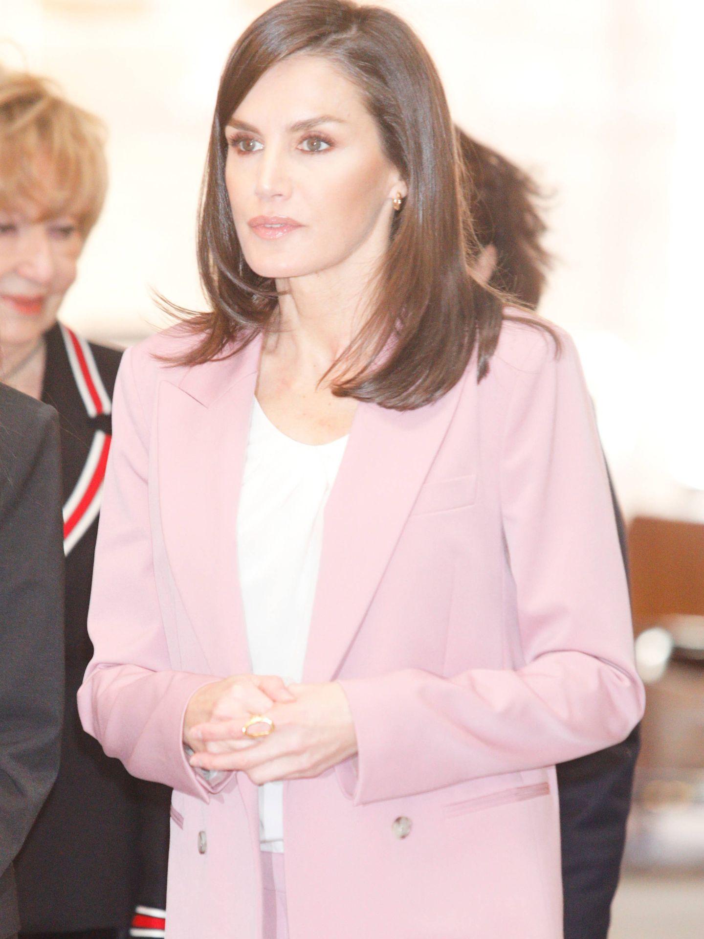 La reina Letizia, con los pendientes. (Limited Pictures)