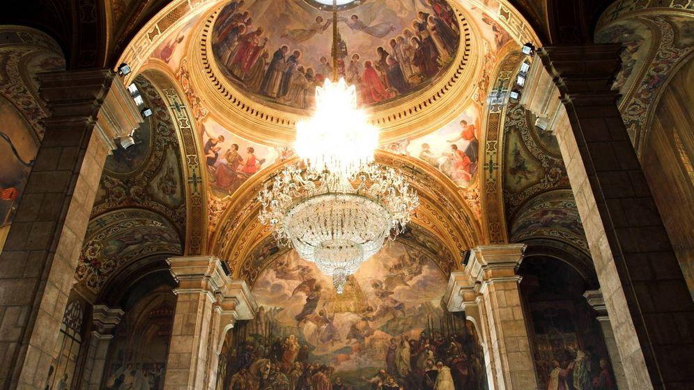 Foto: Salón Sant Jordi del Palau de la Generalitat. (Amadalvarez, Wikipedia)