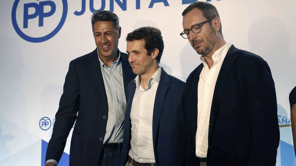 Foto: Pablo Casado (centro), junto a Zavier Farcía Albiol (i) y Javier Maroto (d). (EFE)