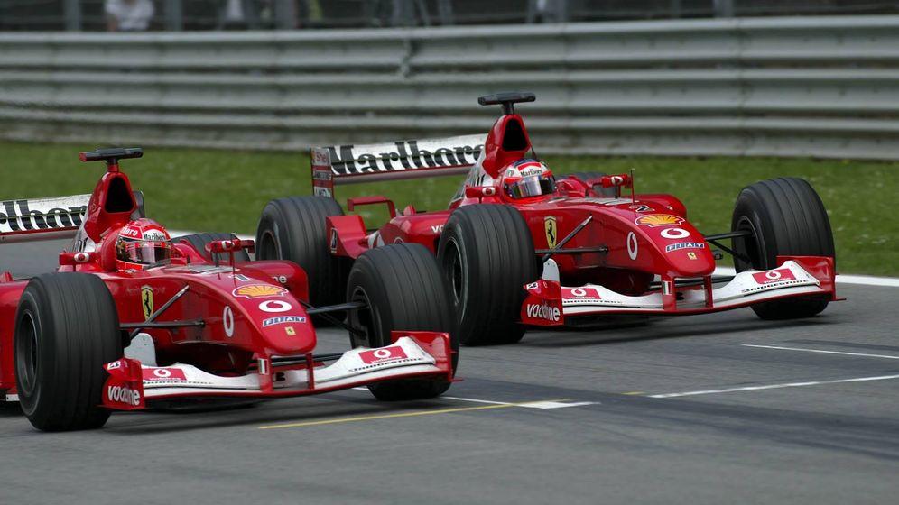 Foto: Imagen de los Ferrari con publicidad de Marlboro en el alerón. (Cordon Press)