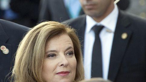 François Hollande y Valérie Trierweiler, dos formas distintas de 'lavar' su imagen