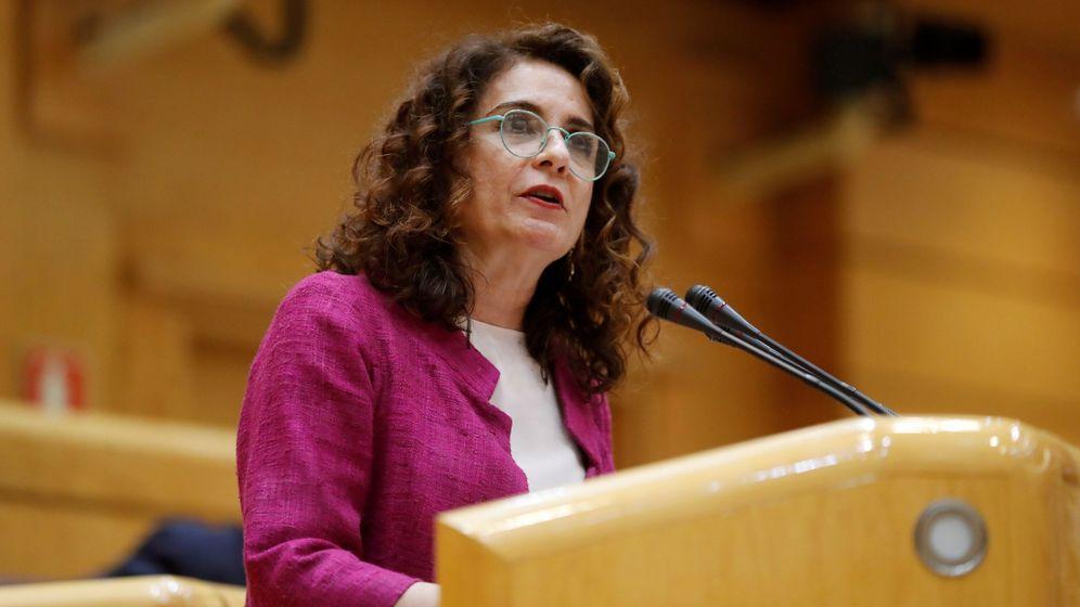 Foto: María Jesús Montero durante su primera comparecencia como ministra de Hacienda en el Senado (Efe)