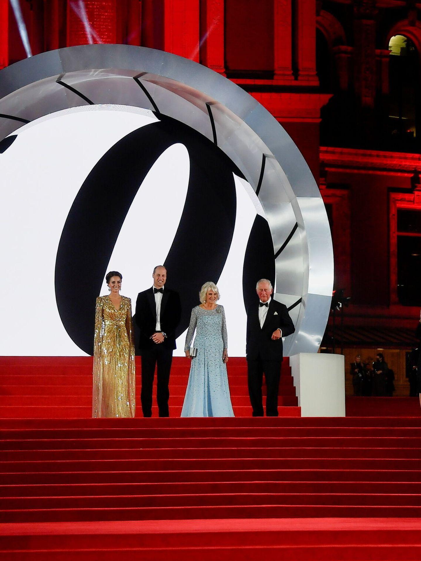 Los duques de Cambridge, con Carlos y Camilla. (Reuters)
