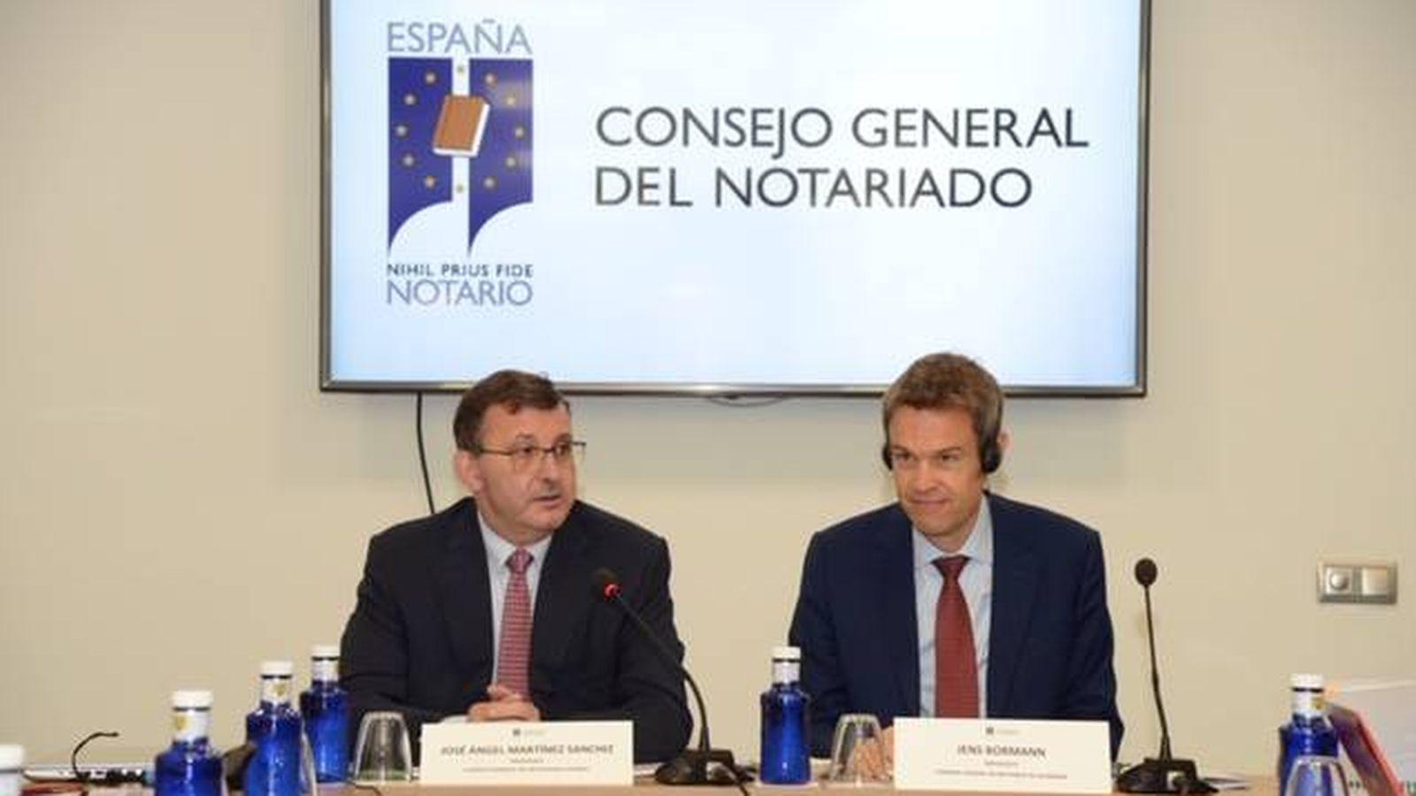 Foto:  Los presidentes del notariado español y alemán.