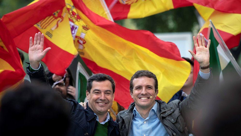 Foto: El presidente del PP, Pablo Casado, y el candidato de su partido a la presidencia de la Junta de Andalucía, Juanma Moreno (i). Foto:EFE