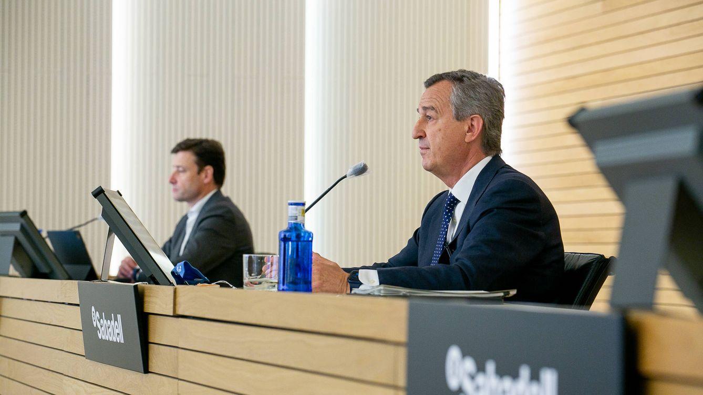 El nuevo CEO de Sabadell anuncia planes para reducir más los costes del banco