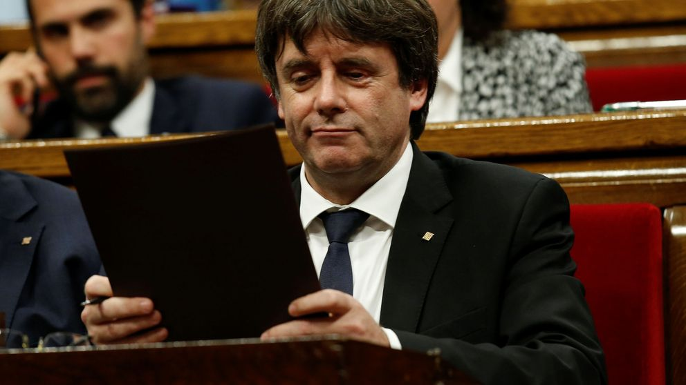 'Mandato' a Puigdemont: proclamar la república a las 9, contestar a Rajoy a las 10