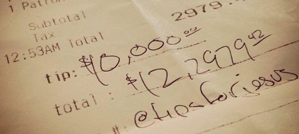 Foto: Las misteriosas propinas de 10.000 dólares que enloquecen Instagram