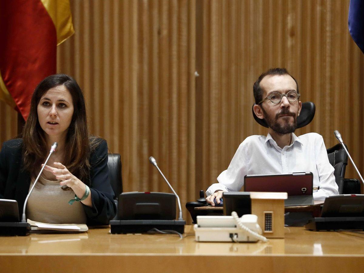 Foto: La secretaria general de Podemos, Ione Belarra, junto al portavoz, Pablo Echenique. (EFE)