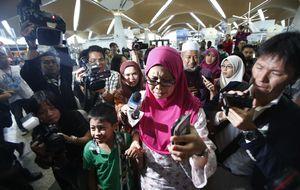 Expertos en Sida, muchos niños y una broma macabra en el MH17