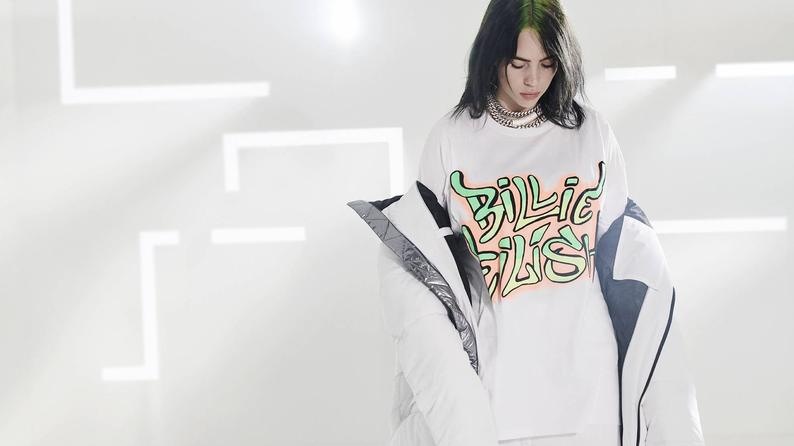 Foto: Imagen promocional de la colección de Billie Eilish para Bershka. (Cortesía)