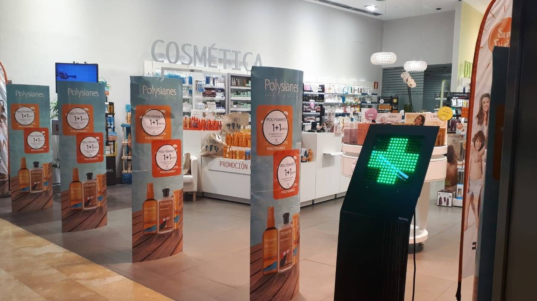 Los productos cosméticos tienen un peso cada vez mayor en las farmacias. (M.V)