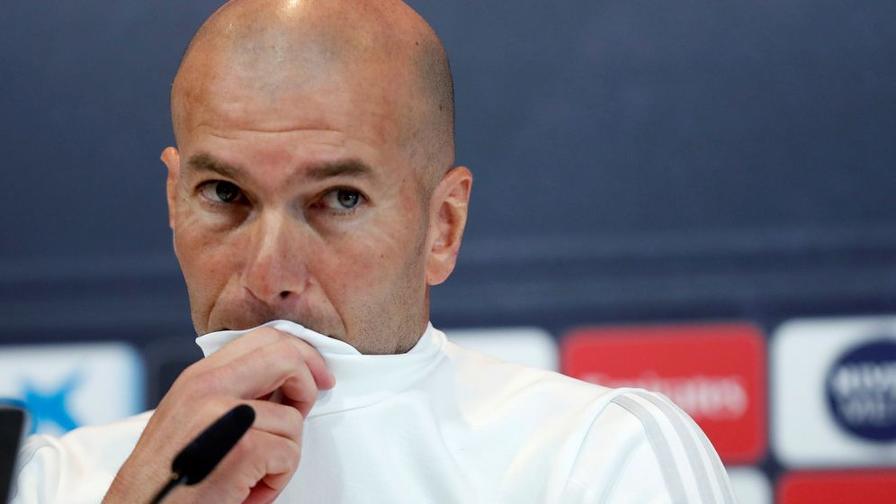 Foto: Zidane, con la mirada desafiante en una rueda de prensa. (EFE)