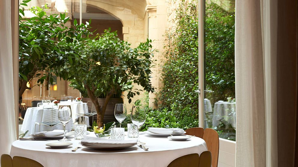 De Madrid a Córdoba: date el capricho primaveral de comer en un patio
