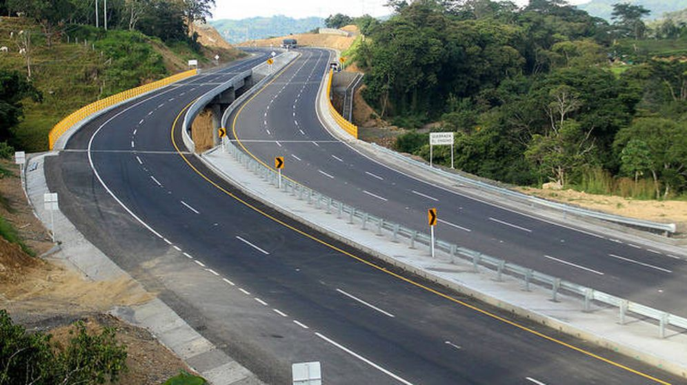 Foto: Autopista colombiana. (Ministerio de Transporte de Colombia)