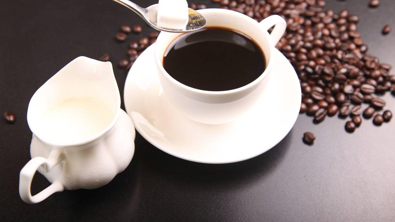 El café ocasiona acidez estomacal, indigestión, ardor de estómago o irritación intestinal.