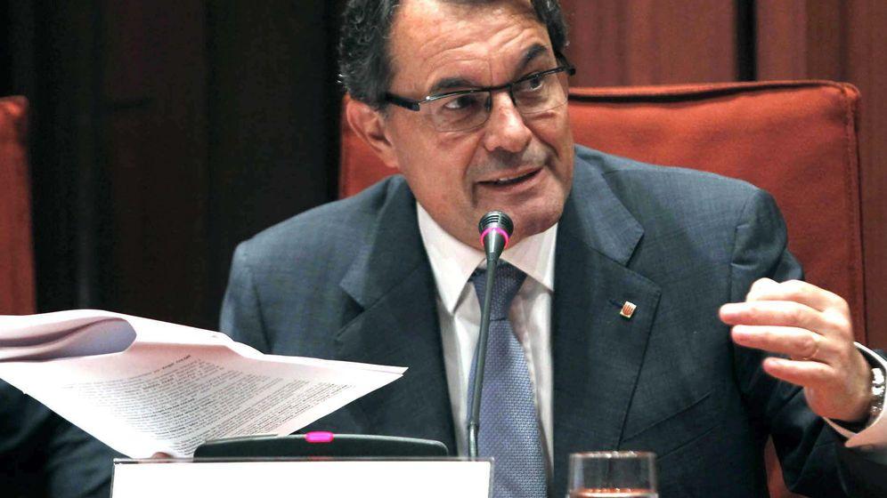 Foto: Foto de archivo de Artur Mas en 2013, en su comparecencia en la comisión del Parlamento para explicar la implicación de su exformación, CDC, en el caso del Palau. (EFE)