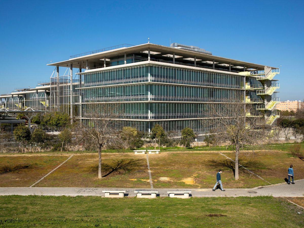 Foto: Sede de Abengoa en Palmas Altas (Sevilla), futura sede de la Ciudad de la Justicia de la capital andaluza. (EFE)