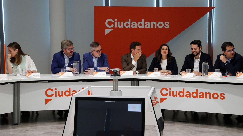 Reunión de la ejecutiva nacional del partido en la sede. (EFE)