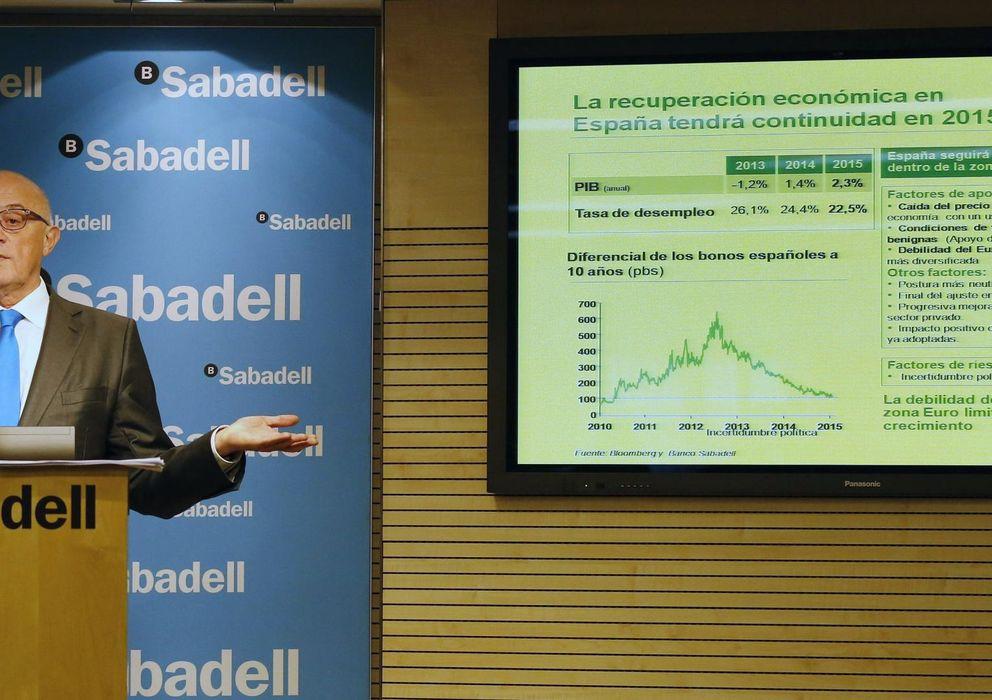 Foto: Josep Oliu durante la presentación de los resultados (Reuters)