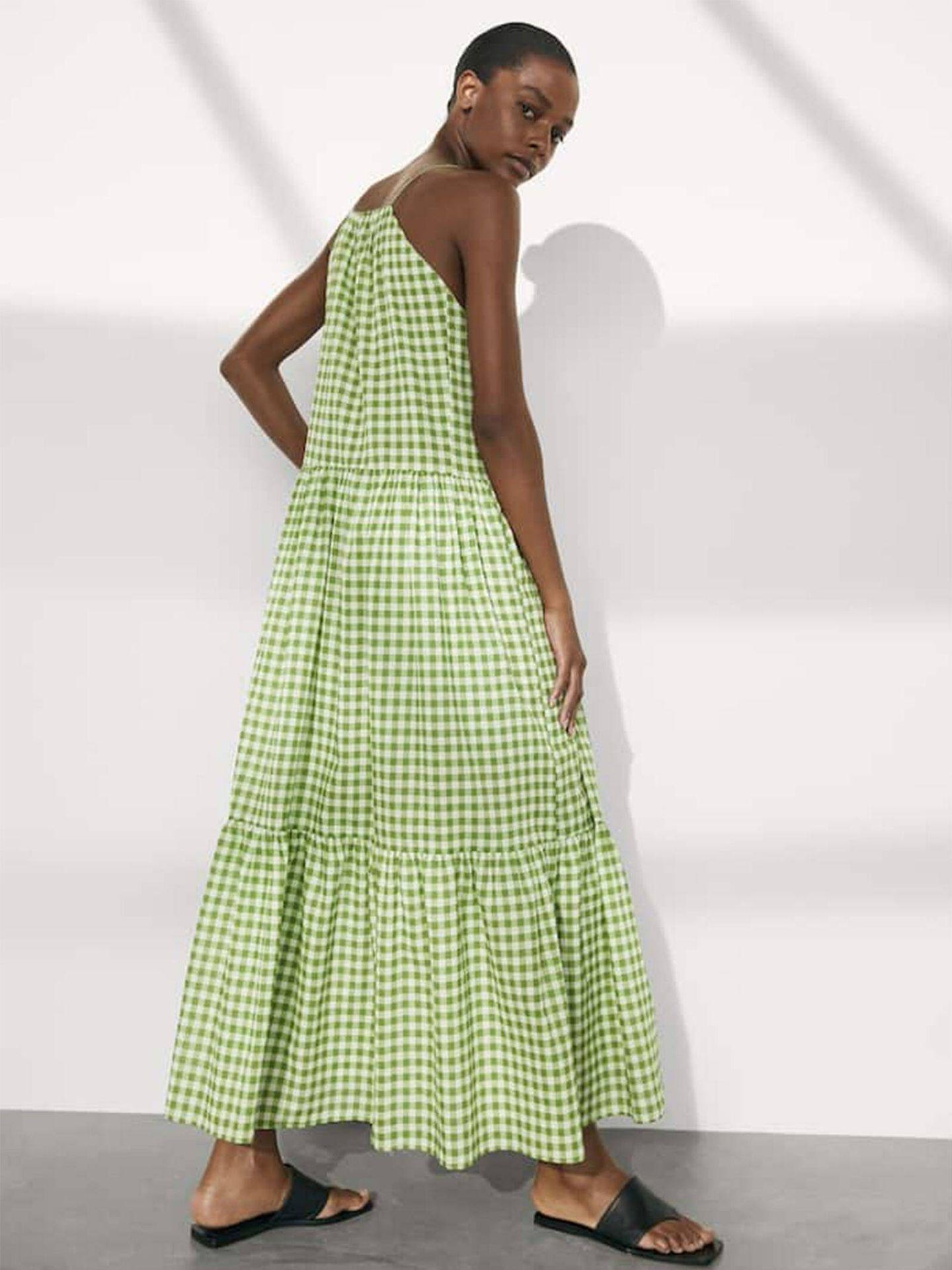 Vestido de Massimo Dutti. (Cortesía)