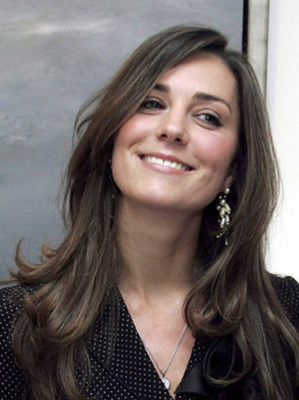 Foto: El príncipe Guillermo y Kate Middleton esquían juntos en Suiza